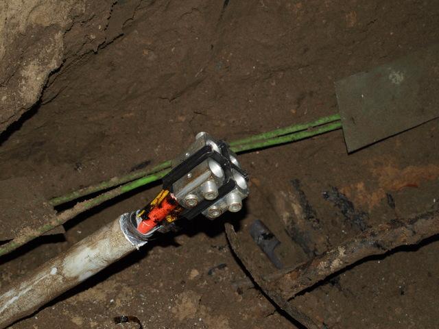 Aarding Badkamer Waarom : Aarding van een veiligheids stopcontact modding mechanica